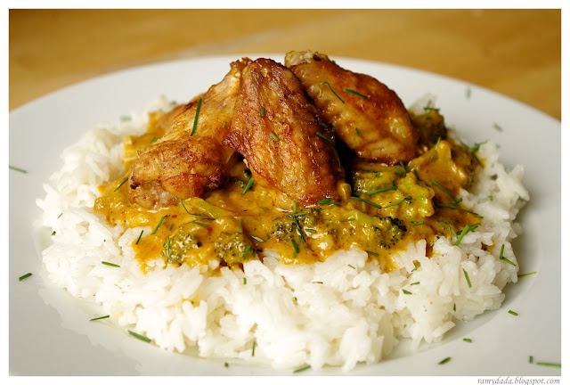 curry with broccoli and chicken wings